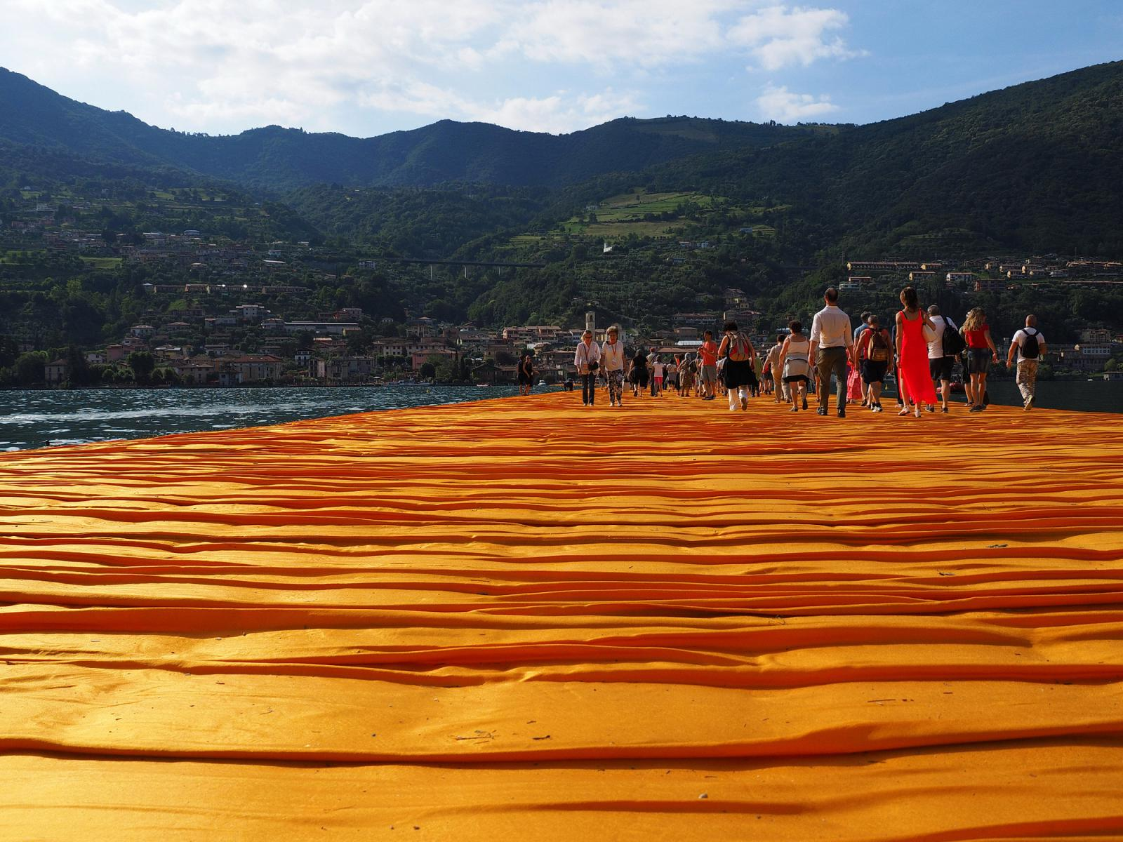 The Floating Piers I